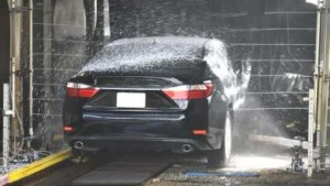 Pressure nozzles in car wash systems